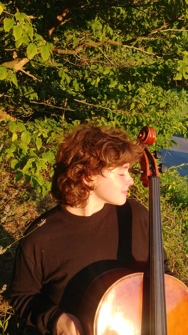 Eleanore cellist